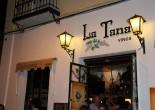 """En Granada puedes sentir, puedes oler, puedes imaginar, sin mucho esfuerzo, la historia """"pegada"""" en cada piedra de la ciudad. Todo esto se respira por sus callejuelas del Albaicín."""